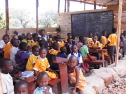 Uganda acoge la apertura de 6 nuevas escuelas agrosostenibles